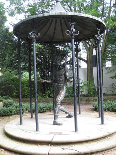 Statue in a park in Frankfurt